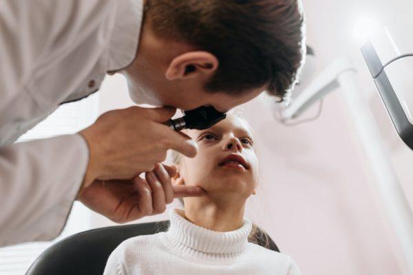 Le saviez-vous ? Votre orthoptiste peut aussi pratiquer un examen de la vue !