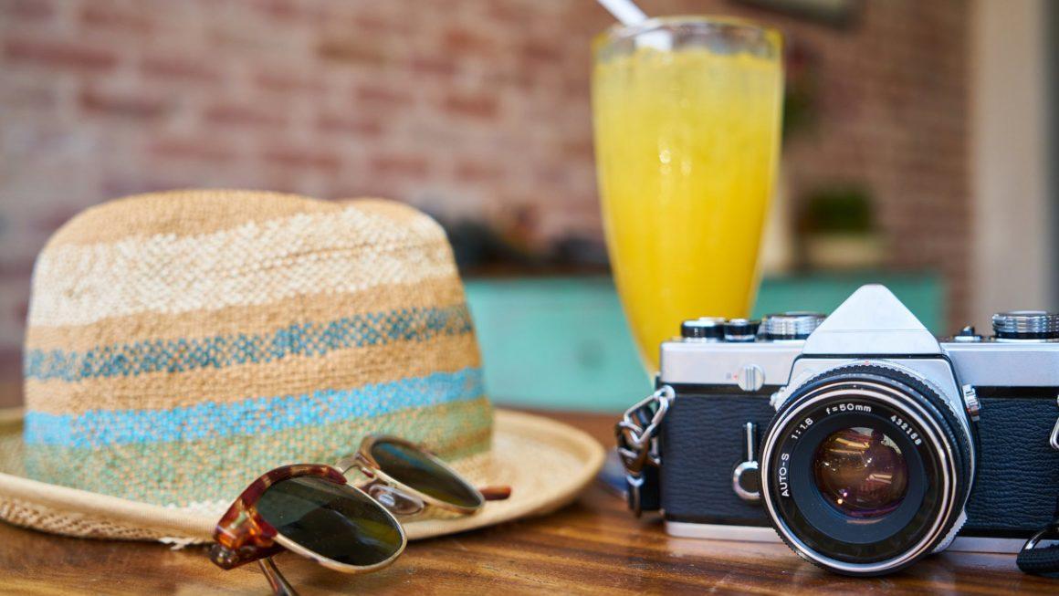 «Covid-19 : voyager à l'étranger cet été: quelles précautions ?»